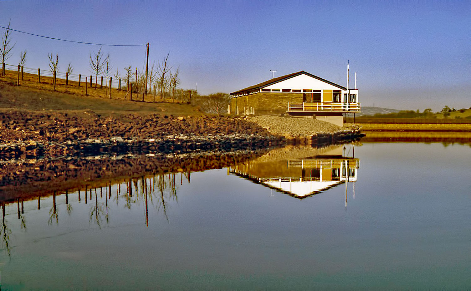 sailing-club-reflection
