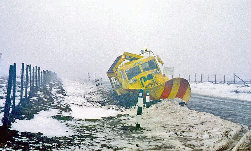 snow-plough-off-road