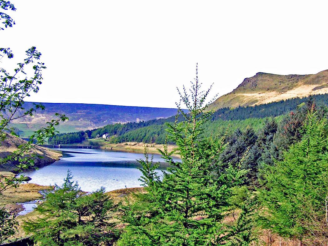 Yeoman-Hey-reservoir-and-Alderman's-Hill